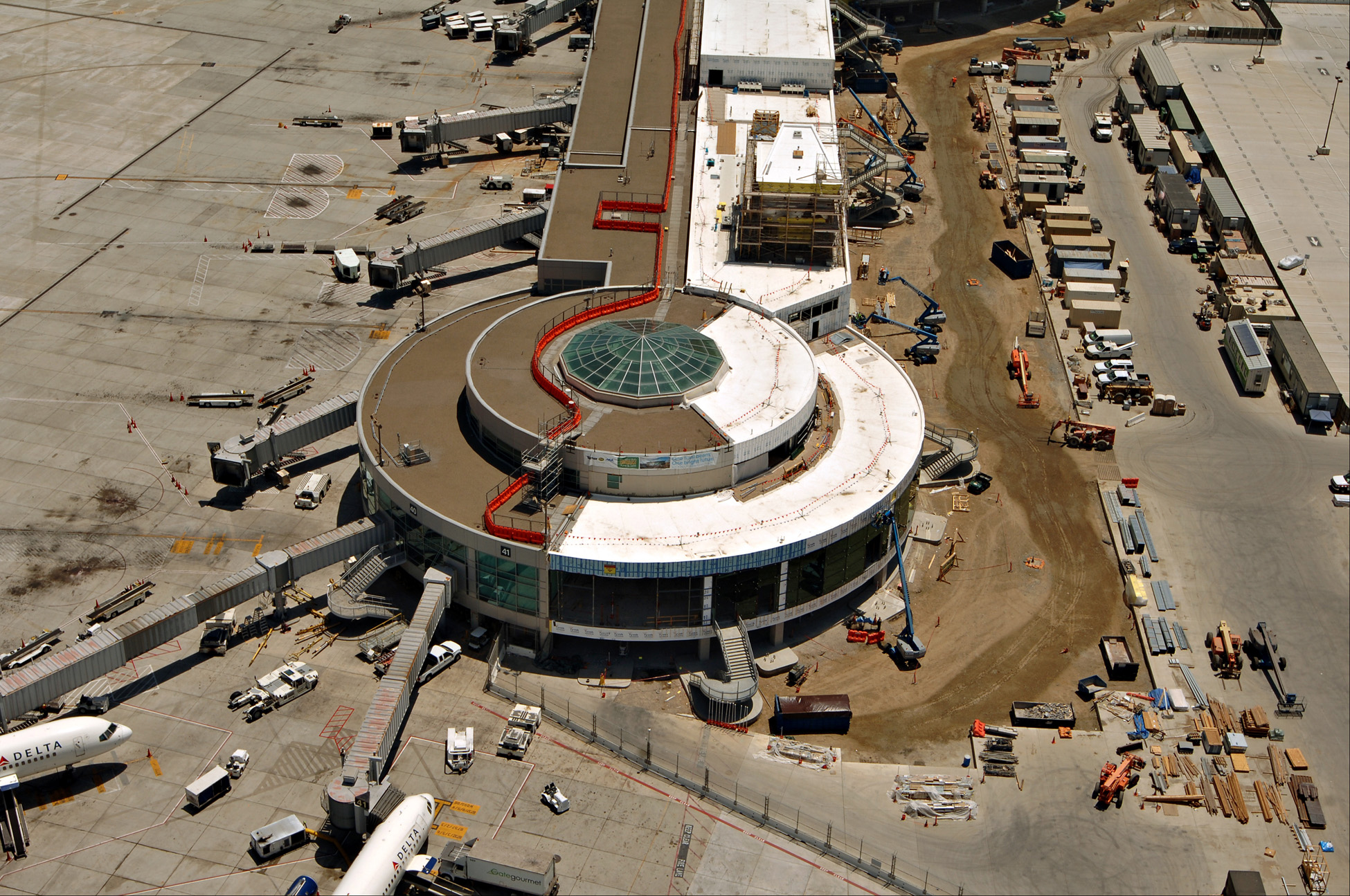 San Diego International Airport Terminal 2 construction
